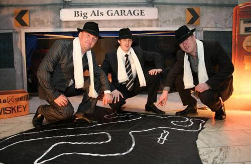 Мужчины на гангстерской вечеринке.  Вечеринка в гангстерском стиле.