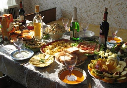 Накрыть праздничный стол на день рождения